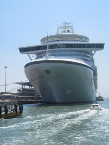 P&O-Cruises-Ventura-In-Venice