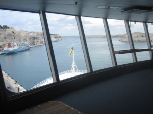 Cruise-Ship-Bridge-View