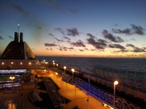 cruise-ship-sunset