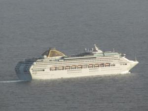 P&O-Cruises-Oceana-Leaving-Madeira