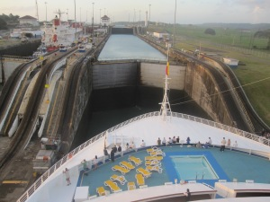 P&O-Cruises-Oceana-Panama-Canal