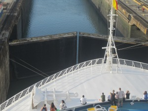 Cruise-Ship-Panama-Canal