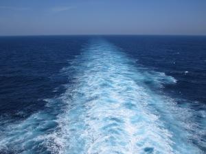cruise-ship-wake