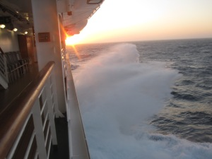 cruise-ship-rough-seas
