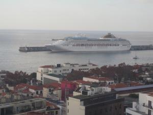 P&O-Cruises-Oceana-Madeira