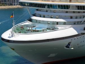 P&O-Cruises-Azura