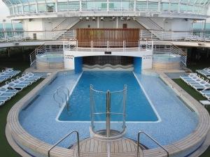 P&O-Cruises-Ventura-Lido-Deck