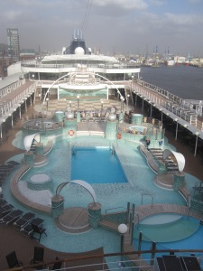 MSC-Cruises-MSC-Magnifica-Mid-Ships