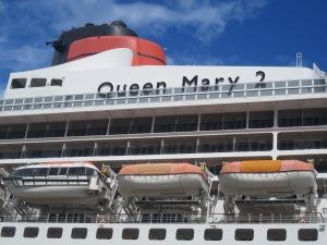 Cunard-Queen-Mary-2-Greenock
