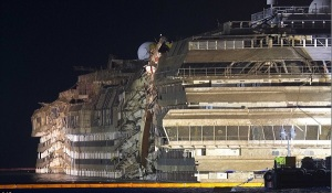 Costa-Concordia-Upright-one