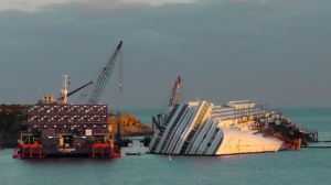 Costa-Concordia-Wreckage