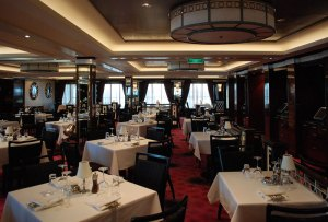 norwegian-getaway_restaurant_cagneys