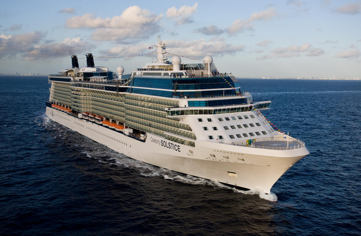Celebrity cruises solstice entertainment