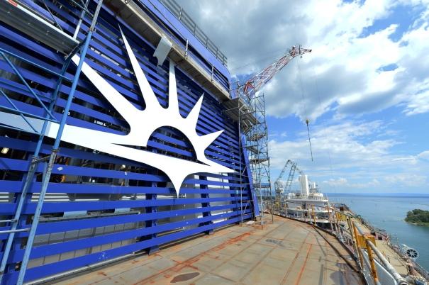 P&O Cruises Britannia Funnel