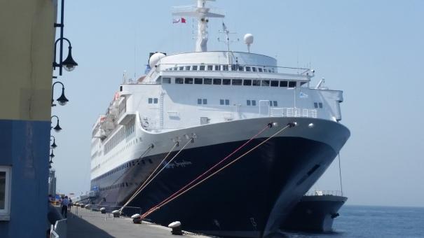 Saga-Sapphire-Docked