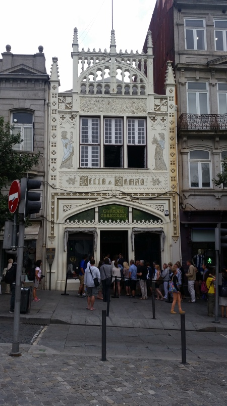 Lello-Bookshop-Exterior