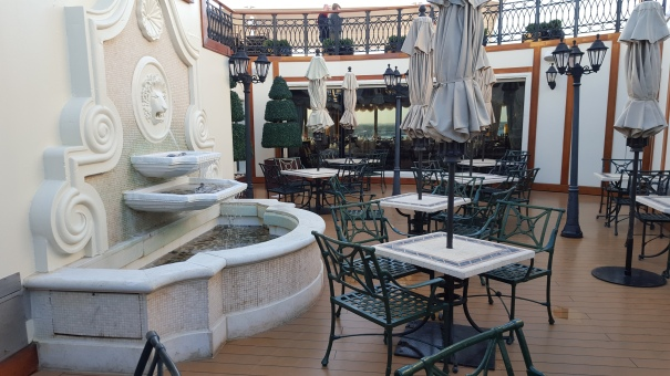 Grills-Courtyard-Queen-Victoria