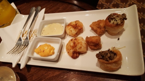 Queens-Lounge-Canapes