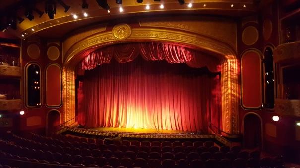 Royal-Theatre-Queen-Victoria