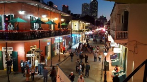 Bourbon-Street-At-Night-New-Orleans