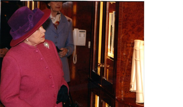 HM The Queen at the Naming of Queen Mary 2 (2)