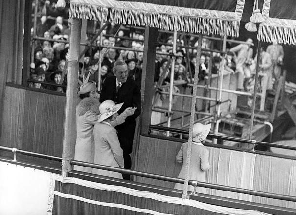 RMS-Queen-Elizabeth-Launching-Party.
