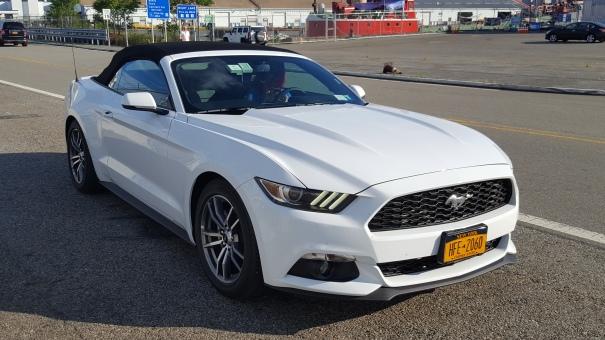 Ford-Mustang-Convertible-Road-Trip-America