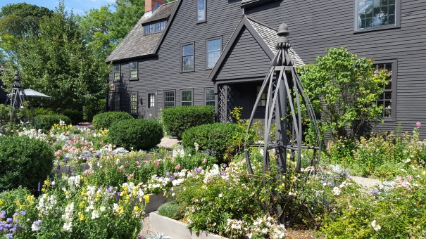 House-Of-Seven-Gables-Gardens