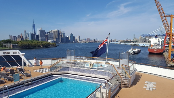 Queen-Mary-2-Brooklyn-NYC