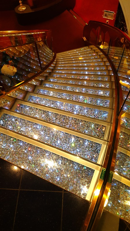 msc-splendida-swarovski-stairs