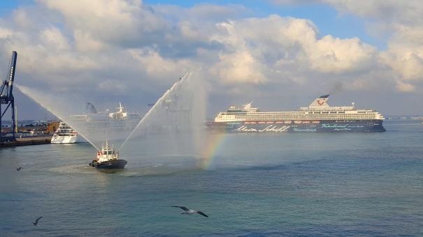 europa-mein-schiff-balmoral-cadiz