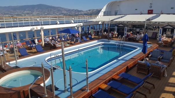 pool-deck-saga-sapphire